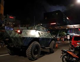 Xe bọc thép xuất hiện ở thủ đô của Philippines sau vụ xả súng trong khu nghỉ dưỡng