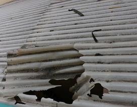 Hà Nội: Học sinh tiểu học rơi từ tầng 3 xuống đất