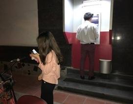 Hà Nội: Nhiều cây ATM báo lỗi, dân không rút được tiền
