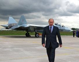 """Uy lực """"bóng ma bầu trời"""" Su-57 Nga - đối thủ của F-22 Raptor"""