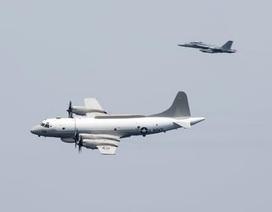 """Lầu Năm Góc """"tố"""" máy bay Trung Quốc áp sát nguy hiểm máy bay Mỹ"""