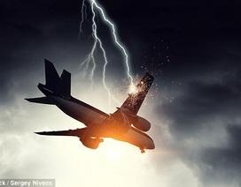 Máy bay bị sét đánh thủng hơn 40 lỗ vẫn bay tiếp 9 giờ