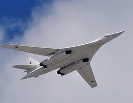 """Máy bay ném bom """"không đối thủ"""" của Nga sải cánh thêm 40 năm"""