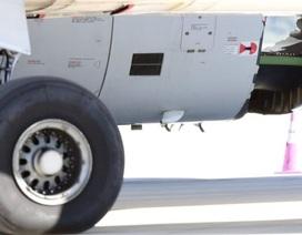 Máy bay Trung Quốc hạ cánh khẩn cấp ở Australia vì thủng vỏ động cơ