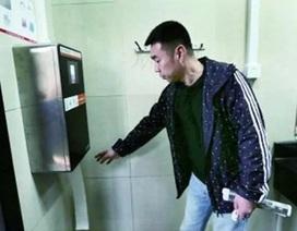 Trung Quốc quét mặt người dùng để chống nạn trộm giấy vệ sinh công cộng