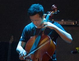MC Anh Tuấn kéo cello tưởng nhớ Trần Lập