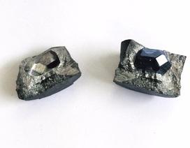 Trào lưu nén tro cốt người thân thành kim cương