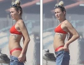 Miley Cyrus khoe dáng gợi cảm bên bạn trai Liam Hemsworth