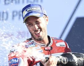 Chặng 12 MotoGP 2017: Dovizioso chiến thắng, Marquez bỏ dở cuộc đua