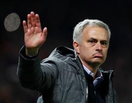 """Mourinho xin đối thủ """"nương chân"""" với MU"""