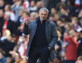 """Roy Keane: """"Mourinho nên xấu hổ vì thành tích của MU"""""""