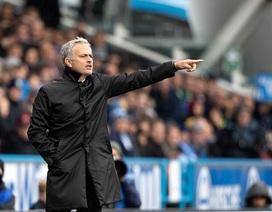 HLV Mourinho bị chỉ trích sau thất bại sốc của MU