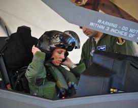 Tướng Mỹ: Lầu Năm Góc gặp nguy vì thiếu phi công