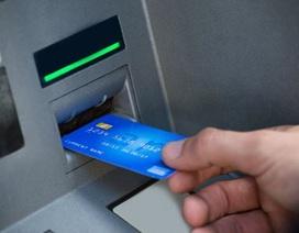 Nam thanh niên đấm nát máy ATM vì nhả quá nhiều tiền
