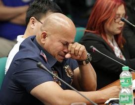 Tư lệnh cảnh sát Philippines rơi nước mắt khi nói về cuộc chiến chống ma túy
