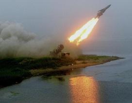 Nga: Mảnh vỡ tên lửa đẩy gây hỏa hoạn làm 1 người chết