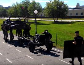 Học viên sĩ quan Nga tháo lắp xe chỉ trong 4 phút