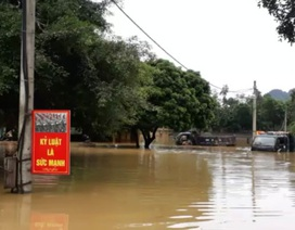 700 phạm nhân bị cô lập do nước lũ