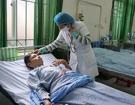 Tưởng nhầm dọc mùng, rau đắng, 15 người nhập viện sau ăn lẩu