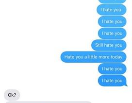 """Liên tiếp 3 năm gửi tin nhắn """"tôi ghét cô"""" cho người yêu cũ"""