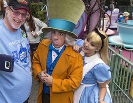 """""""Cuồng"""" công viên Disneyland, cựu binh Mỹ đến thăm 2.000 ngày liên tiếp"""