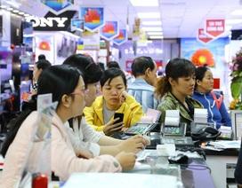 Người Việt ngày càng ít dùng tiền mặt trong giao dịch