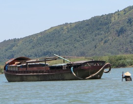 Để lại bức thư, hai nữ sinh nắm tay nhau nhảy xuống sông Lam