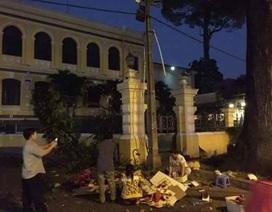 Cành cây rơi trúng người phụ nữ trước Bưu điện thành phố
