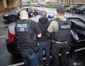 Ông Trump ủng hộ chiến dịch truy quét người nhập cư bất hợp pháp tại Mỹ