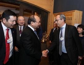 Thủ tướng đối thoại với các tập đoàn công nghệ thông tin tại Davos