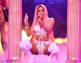 Nicki Minaj bốc lửa trên sân khấu