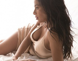 Nicole Scherzinger bốc lửa trong ảnh quảng cáo