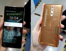 """Lộ ảnh thực tế """"bom tấn"""" Nokia 8 phiên bản màu vàng đồng"""