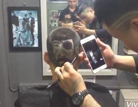 """Bạn trẻ cắt tóc thành chân dung """"Thế Chột"""" trong phim """"Người phán xử"""""""