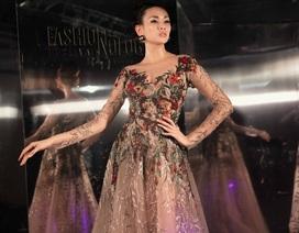 Dàn chân dài hàng đầu lộng lẫy tại Lễ hội thời trang và công nghệ
