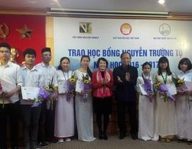 Trao 75 suất học bổng Nguyễn Trường Tộ đến sinh viên 6 trường đại học
