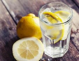 Sự thật về những lát chanh trong ly nước
