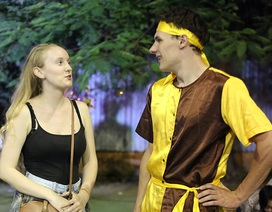 Bạn trẻ nước ngoài hào hứng trải nghiệm Trung thu truyền thống