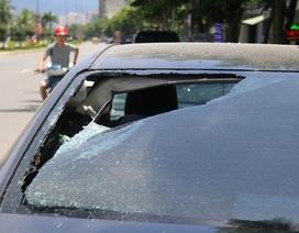 Hàng loạt ô tô bị kẻ xấu đập phá trong đêm