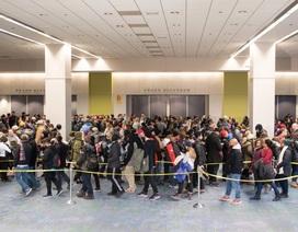 Hàng nghìn người đứng trong giá lạnh để có vé dự lễ chia tay Tổng thống Obama