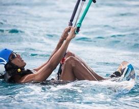 Ông Obama học lướt ván sau khi rời Nhà Trắng