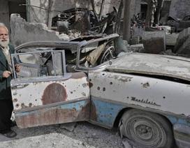 Nhà sưu tập xe cổ gần trắng tay vì bom đạn