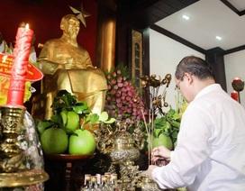 Tân Bí thư TPHCM Nguyễn Thiện Nhân thăm Bến Nhà Rồng