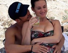 """Orlando Bloom lần đầu chia sẻ về loạt ảnh """"khỏa thân"""" chèo thuyền"""