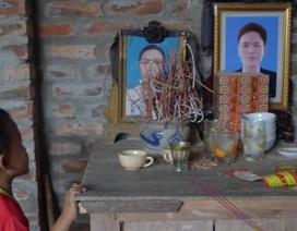 Bố mẹ mất vì ung thư phổi, 3 đứa trẻ đói ăn thiếu mặc từng ngày