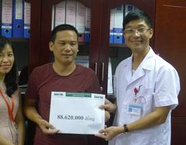 Hơn 88 triệu đồng đến với người bố cụt tay chăm con ung thư máu