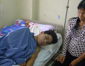 Đi làm thuê lấy tiền chữa bệnh cho mẹ, cậu bé dân tộc Dao bị tường đè dập phổi