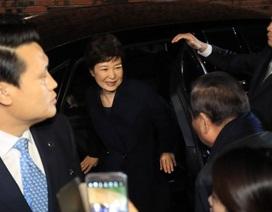 Bà Park Geun-hye xin lỗi người ủng hộ khi rời Nhà Xanh