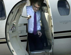 Thủ tướng Phần Lan tự lái máy bay để tiết kiệm ngân sách