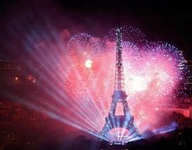 Pháo hoa rợp trời Paris mừng Quốc khánh Pháp